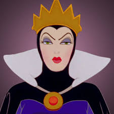 Snow White:Queen